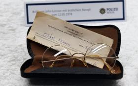 John Lennon: guarda le immagini degli oggetti ritrovati a Berlino