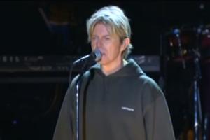 David Bowie, la storia dell'incredibile e toccante ultima performance di Heroes. Guarda il video