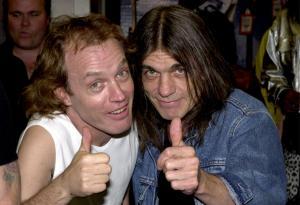 Malcolm e Angus Young: guarda le foto dei fratelli che con gli AC/DC hanno scritto la storia del rock!