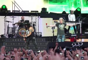 Guns N' Roses: guarda il video con l'inizio di Welcome To The Jungle liva a Imola