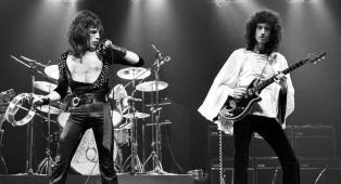 Queen, Brian May ha donato i suoi abiti di scena originali per le riprese del film Bohemian Rhapsody