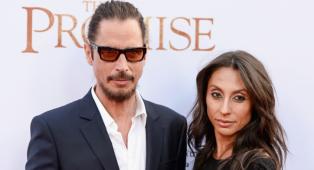 Soundgarden, tra la band e Vicky Cornell è iniziata una battaglia legale per i diritti su sette canzoni inedite