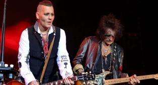 Johnny Depp: «La musica è la vita che avrei voluto!». Ecco perché preferisce il palco (con gli Hollywood Vampires) ai set