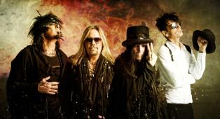 """Mötley Crüe: annunciato """"The Dirt Soundtrack"""", la colonna sonora dell'omonimo film. Ascolta ora il primo singolo The Dirt (Est. 1981)"""