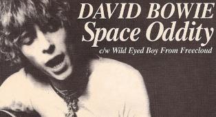 La vera storia di Space Oddity. Scopri i segreti del leggendario brano di David Bowie
