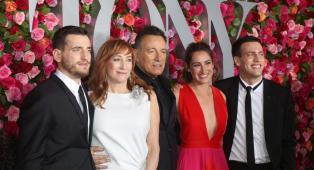 Bruce Springsteen: il figlio più giovane del Boss è diventato un vigile del fuoco