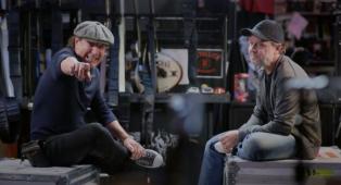 """Metallica, Lars Ulrich intervistato da Brian Johnson e il legame con gli AC/DC: """"Quel tour insieme nel '91, è stato un paradiso"""""""