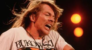 """Guns N' Roses, l'ex manager Goldstein rivela: """"Axl Rose avrebbe voluto uccidere Vince Neil e lo sfidò in un duello mortale"""""""