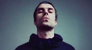 """Oasis, Liam Gallagher ha messo all'asta per beneficenza l'MTV Award vinto con """"Wonderwall"""""""