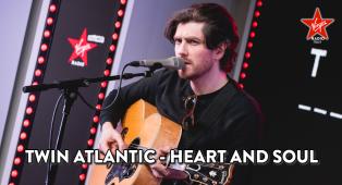 Twin Atlantic: guarda l'esibizione di Heart and Soul acustica sul palco di Virgin Radio