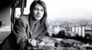 Guns N' Roses, la vera storia di November Rain: dalla bozza con gli L.A. Guns alla versione di 18 minuti del 1987