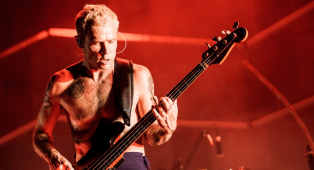 """Red Hot Chili Peppers, Flea: """"Ho pensato più volte di lasciare la band"""". Ecco perché"""