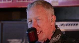 I Metallica hanno suonato Enter Sandman in diretta al Late Show in occasione del Super Bowl. Guarda il video