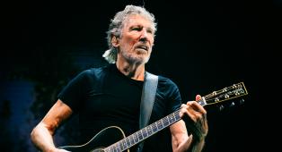 """Roger Waters attacca duramente David Gilmour (e Rick Wright): """"Erano arroganti, probabilmente si sentivano insignificanti"""""""