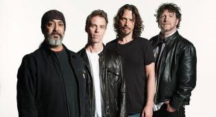 """Soundgarden, l'album finale è in fase di stallo: """"non vogliono consegnarci i master con le parti di Chris Cornell"""""""