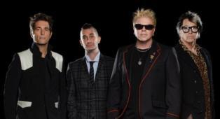 """The Offspring, il batterista è stato allontanato dalla band perché non vaccinato: """"è stato deciso che non è sicuro avermi in giro"""""""