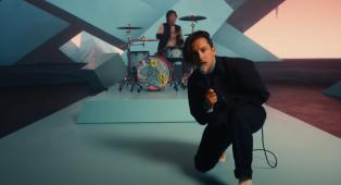 Twenty One Pilots, annunciato il nuovo album Scaled And Icy. Ascolta il primo singolo Shy Away e guarda il video