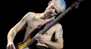 """Red Hot Chili Peppers, Flea: """"Suonare il basso è qualcosa di magico, ti fa immergere in uno stato ipnotico"""""""