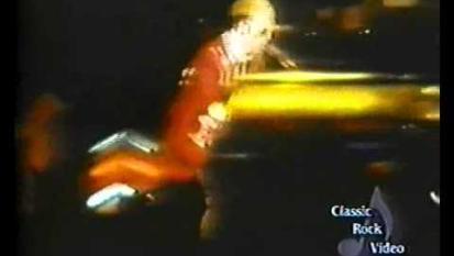 Elton John - Pinball Wizard (Live @ Madison Square Garden 1976)