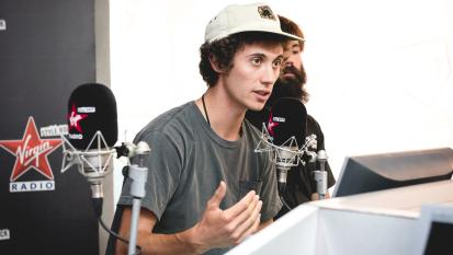 Ron Gallo ospite a Virgin radio. Guarda le foto dell'intervista con Andrea Rock