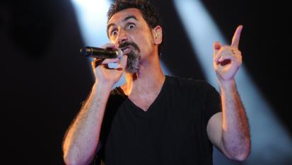 Cosa vuol dire System Of A Down? Il vero significato del nome della band spiegato da Serj Tankian