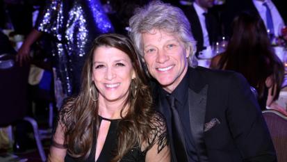 Jon Bon Jovi racconta la storia d'amore con Dorothea, un legame nato tra i banchi di scuola che dura da 40 anni