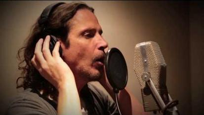 Chris Cornell: ecco il video girato per la campagna legata a The Promise con i figli ed i suoi amici artisti