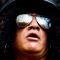 """Guns N' Roses, Slash ricorda l'overdose che l'ha quasi ucciso: """"Mi sento graziato dalla vita, è come se fossi rinato"""""""