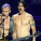 "Red Hot Chili Peppers, Flea: ""Io ed Anthony facevamo uso di una droga peggiore dell'eroina"""