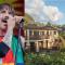 Anthony Kiedis ha messo in vendita la sua bellissima villa alle Hawaii per 10 milioni di dollari. Guarda le foto