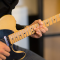 Coronavirus, Fender offre lezioni di chitarra gratuite per tutti durante la quarantena a casa