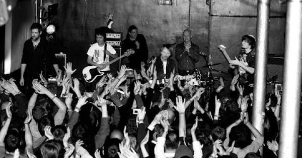 I Radiohead trasmettono gratuitamente il concerto Live From 93 Feet East, London del 2008. Guardalo qui