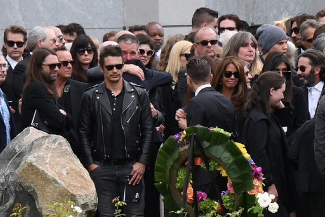 Chris Cornell: le foto del funerale a Los Angeles con l'ultimo saluto da parte della grande famiglia del rock. RIP