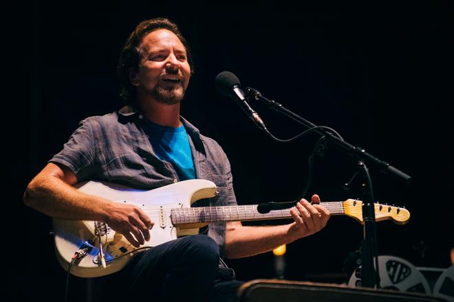 Eddie Vedder: guarda le foto più belle del concerto a Firenze