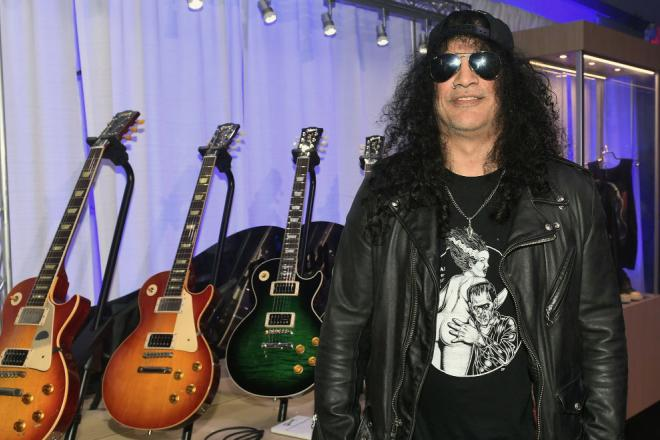 Slash: ecco la sua nuova Gibson Les Paul Anaconda Burst. Guarda le foto