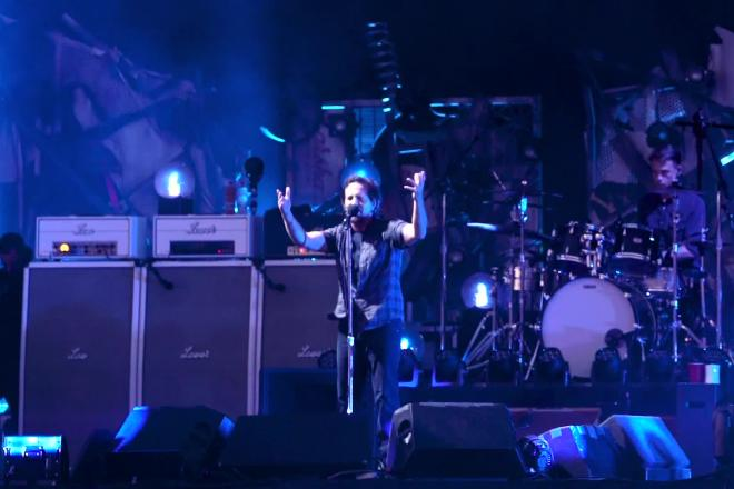 Pearl Jam: guarda il video di Given To Fly a Idays Festival!