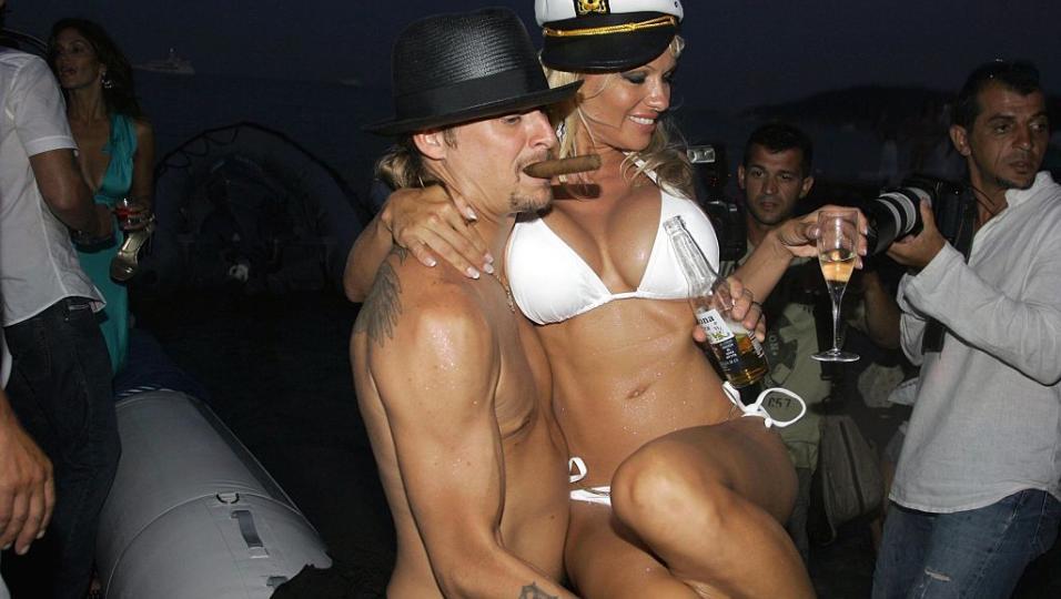 29 luglio 2006: Kid Rock sposa Pamela Anderson. Guarda le foto del matrimonio!