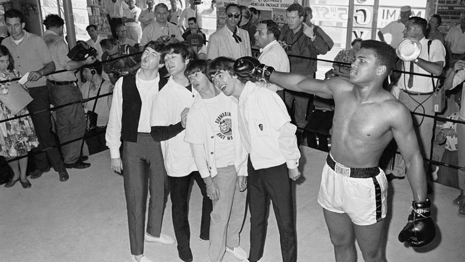 In memory of Muhammad Ali. Guarda le foto dello storico incontro con i Beatles