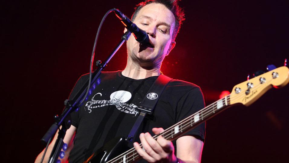 Buon compleanno Mark Hoppus. Le foto più belle della voce e del basso dei Blink-182