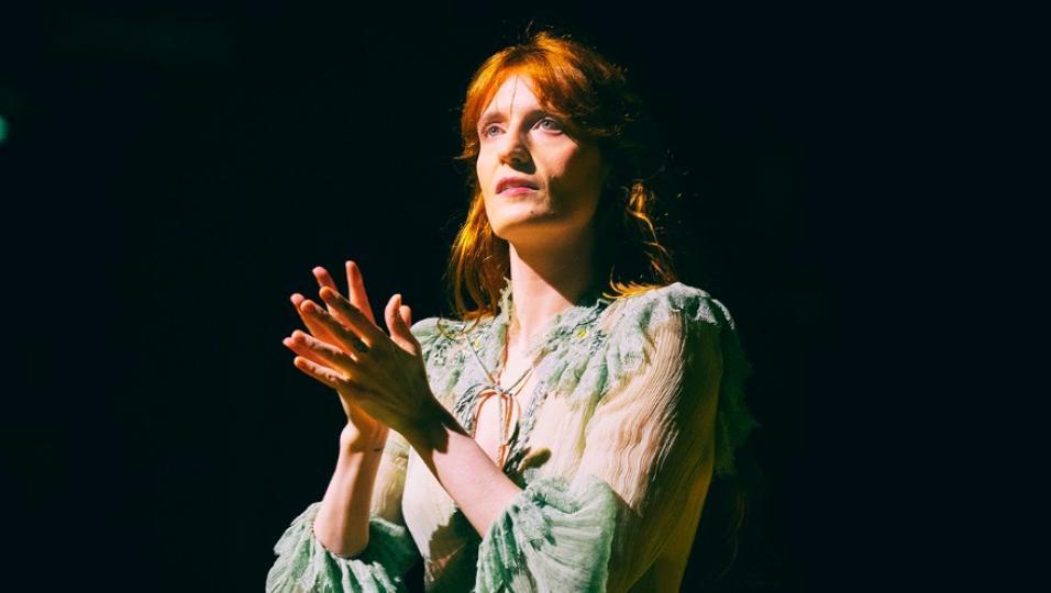 Florence + The Machine: le foto più belle e la scaletta del concerto a Bologna