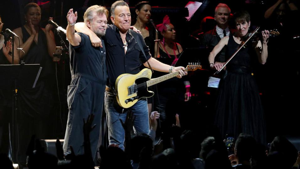 Guarda le foto del Concert For The Rainforest Fund con Bruce Springsteen, John Mellencamp, Sting, Eurythmics, Debbie Harry...