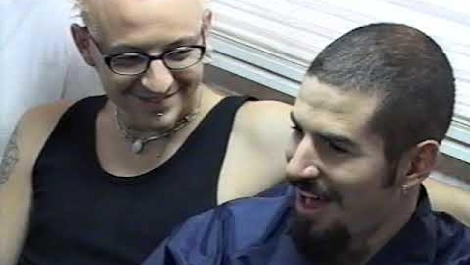Linkin Park: pubblicato il backstage inedito delle riprese di One Step Closer. Guarda il video con l'intervista a Chester Bennington