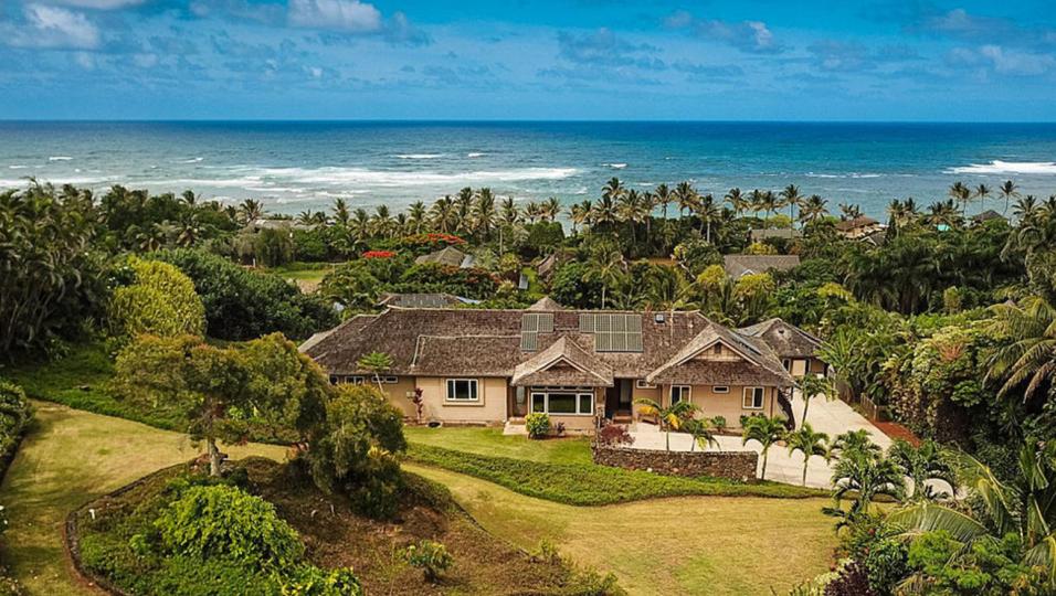 Carlos Santana ha messo in vendita la sua fantastica casa alle Hawaii per 3 milioni di dollari. Guarda le foto