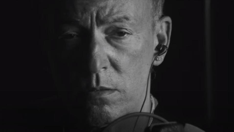 """Bruce Springsteen, pubblicato il nuovo singolo """"Ghosts"""" con la E Street Band. Ascoltalo qui e guarda il video"""