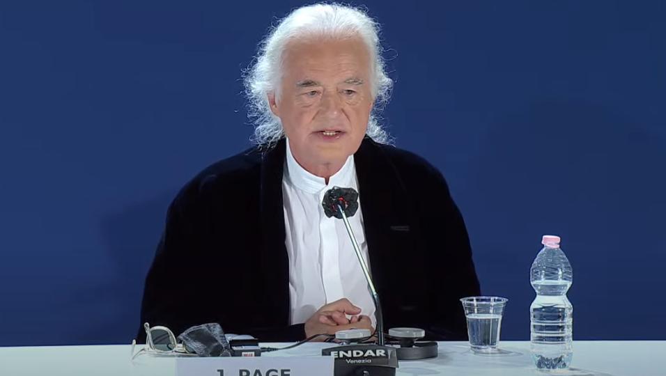 """Led Zeppelin, Jimmy Page a Venezia per la presentazione del docufilm """"Becoming Led Zeppelin"""". Segui QUI la conferenza stampa"""