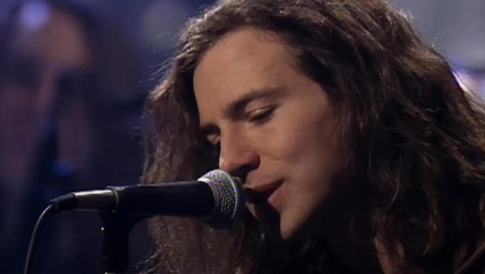 I Pearl Jam hanno pubblicato integralmente lo storico MTV Unplugged in streaming. Guardalo QUI