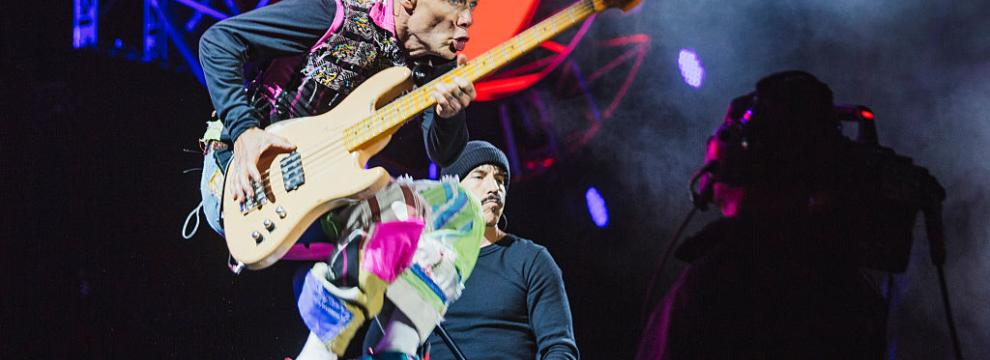 Le foto dei Red Hot Chili Peppers + Eagles Of Death Metal in concerto al Leeds Festival
