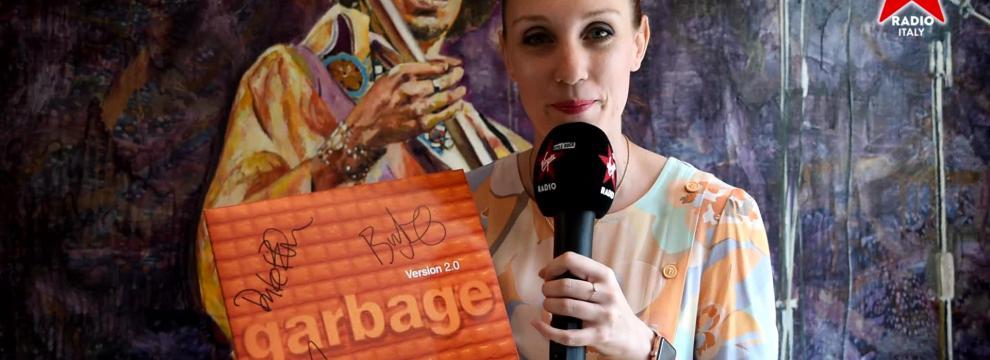 """Garbage: Giulia Salvi presenta l'edizione per il ventennale di """"Version 2.0"""". Guarda il video"""