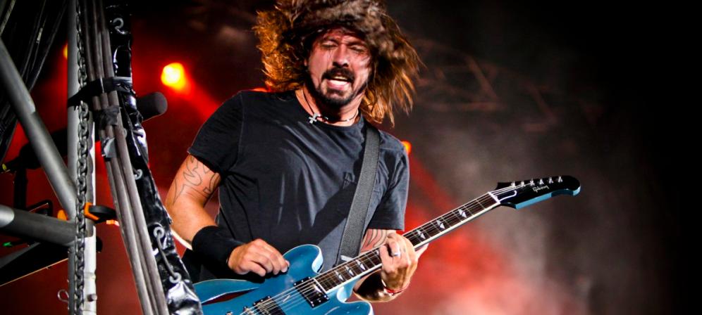 """Dave Grohl: """"Passare da batterista dei Nirvana a frontman dei Foo Fighters è stato terrificante"""". Guarda il video"""